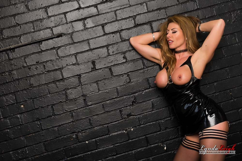 Lynda Leigh 'Latex Tease' starring Lynda Leigh (photo 19)