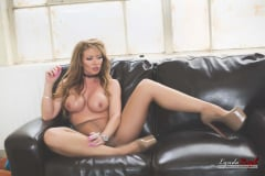 Lynda Leigh - Smoking Tease (Thumb 01)