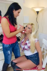 Michelle Thorne - Leather Boot Lesbians (Thumb 01)