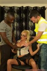 Michelle Thorne - Michelle Office Threesome (Thumb 04)
