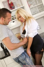 Michelle Thorne - Slutty Estate Agent Fuck (Thumb 03)