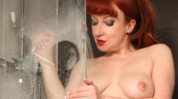 Red XXX - Shower