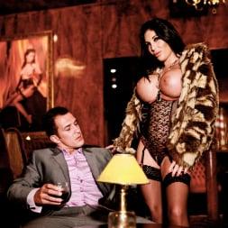 Emily B in 'Daring Sex' The Velvet Lounge (Thumbnail 6)