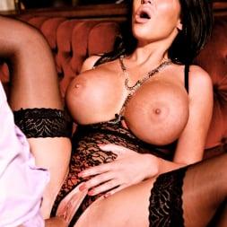 Emily B in 'Daring Sex' The Velvet Lounge (Thumbnail 14)