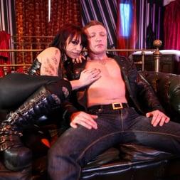 Gina Snake in 'Daring Sex' Ink 02 (Thumbnail 1)