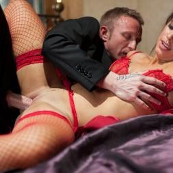 Hannah Shaw in 'Daring Sex' Warm Embrace (Thumbnail 13)