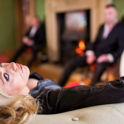 Holly Kiss in 'Daring Sex' MILF - A Darker Side (Thumbnail 2)