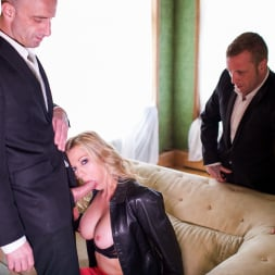 Holly Kiss in 'Daring Sex' MILF - A Darker Side (Thumbnail 4)
