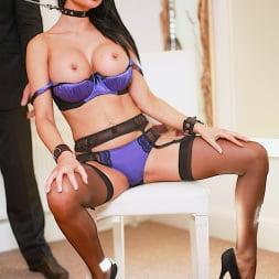 Jasmine Jae in 'Daring Sex' Bound By Lust (Thumbnail 3)