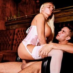 Jordan Pryce in 'Daring Sex' The Velvet Lounge (Thumbnail 14)