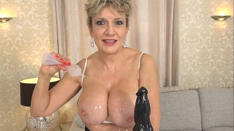 Lady Sonia in 'Addicted To Big Black Cock Porn'