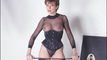Lady Sonia in 'Bodystocking domina'