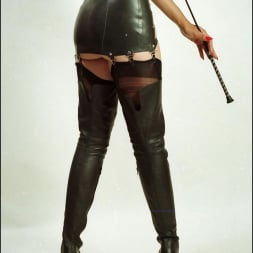 Lady Sonia in 'Lady Sonia' Booted dominatrix (Thumbnail 6)