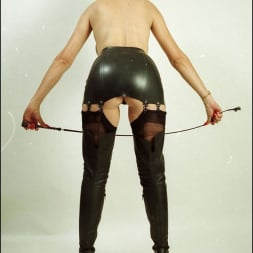 Lady Sonia in 'Lady Sonia' Booted dominatrix (Thumbnail 9)