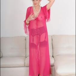 Lady Sonia in 'Lady Sonia' Busty lingerie milf (Thumbnail 2)