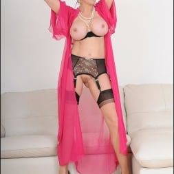 Lady Sonia in 'Lady Sonia' Busty lingerie milf (Thumbnail 14)