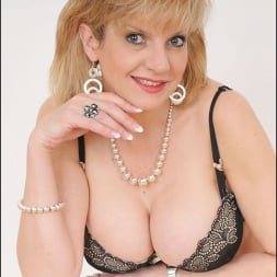 Lady Sonia in 'Lady Sonia' Busty lingerie milf (Thumbnail 1)
