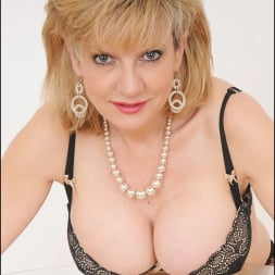 Lady Sonia in 'Lady Sonia' Busty lingerie milf (Thumbnail 3)