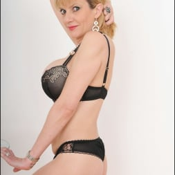 Lady Sonia in 'Lady Sonia' Busty lingerie milf (Thumbnail 6)