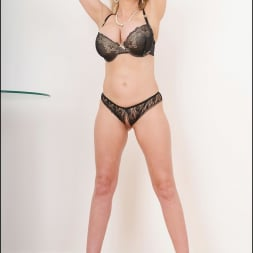 Lady Sonia in 'Lady Sonia' Busty lingerie milf (Thumbnail 8)