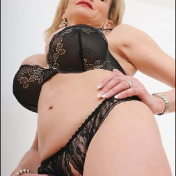 Lady Sonia in 'Lady Sonia' Busty lingerie milf (Thumbnail 10)