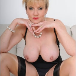 Lady Sonia in 'Lady Sonia' Busty trophy wife (Thumbnail 6)