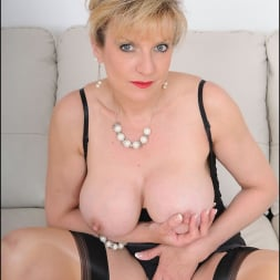 Lady Sonia in 'Lady Sonia' Busty trophy wife (Thumbnail 8)