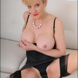 Lady Sonia in 'Lady Sonia' Busty trophy wife (Thumbnail 11)