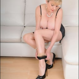 Lady Sonia in 'Lady Sonia' Busty trophy wife (Thumbnail 15)