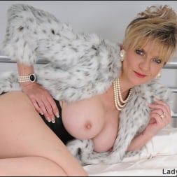 Lady Sonia in 'Lady Sonia' Classy fur coat milf (Thumbnail 5)