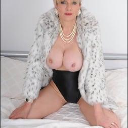 Lady Sonia in 'Lady Sonia' Classy fur coat milf (Thumbnail 10)