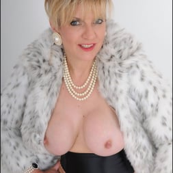 Lady Sonia in 'Lady Sonia' Classy fur coat milf (Thumbnail 13)