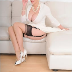 Lady Sonia in 'Lady Sonia' Classy mature minx (Thumbnail 2)