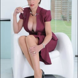 Lady Sonia in 'Lady Sonia' Cleavage and nylons (Thumbnail 1)