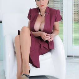 Lady Sonia in 'Lady Sonia' Cleavage and nylons (Thumbnail 2)