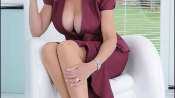 Lady Sonia in 'Cleavage and nylons'