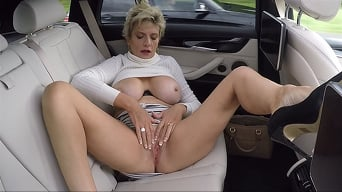 Lady Sonia in 'Clit Massage In The Car'