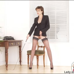 Lady Sonia in 'Lady Sonia' Corset mistress (Thumbnail 2)