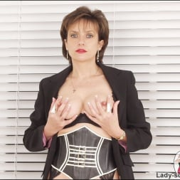 Lady Sonia in 'Lady Sonia' Corset mistress (Thumbnail 8)