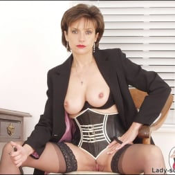 Lady Sonia in 'Lady Sonia' Corset mistress (Thumbnail 11)