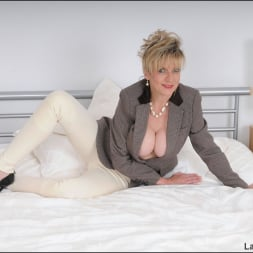 Lady Sonia in 'Lady Sonia' Equestrian mature (Thumbnail 3)