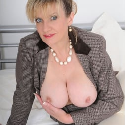 Lady Sonia in 'Lady Sonia' Equestrian mature (Thumbnail 5)