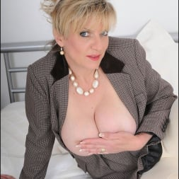 Lady Sonia in 'Lady Sonia' Equestrian mature (Thumbnail 6)