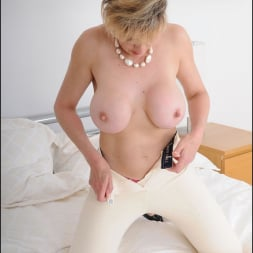 Lady Sonia in 'Lady Sonia' Equestrian mature (Thumbnail 13)
