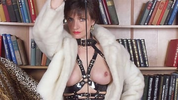 Lady Sonia - Fur and latex milf