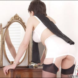 Lady Sonia in 'Lady Sonia' Girdle and nylons (Thumbnail 4)