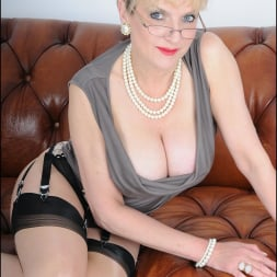 Lady Sonia in 'Lady Sonia' High glamour milf (Thumbnail 1)