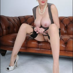 Lady Sonia in 'Lady Sonia' High glamour milf (Thumbnail 13)