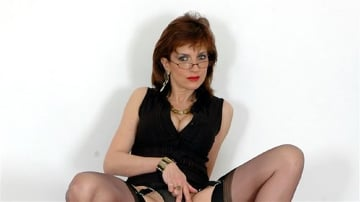 Lady Sonia - Hot stockings milf