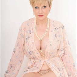 Lady Sonia in 'Lady Sonia' Hot wife in lingerie (Thumbnail 3)